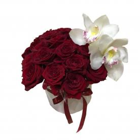29 роз и орхидеи