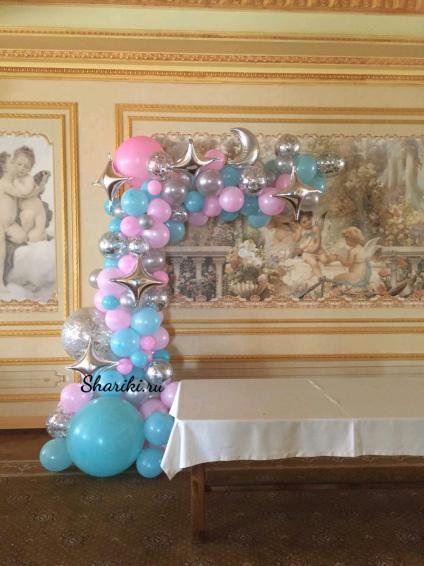 Арка - пена со звездами из шаров на каркасе. Цена за 1 метр