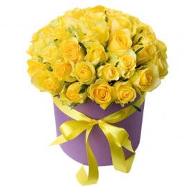 50 желтых роз в шляпной коробке