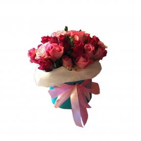 Розы в шляпной коробке 31 шт.